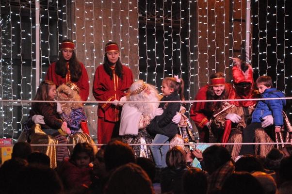 Visita de los Reyes Magos a Gondomar en enero de 2016